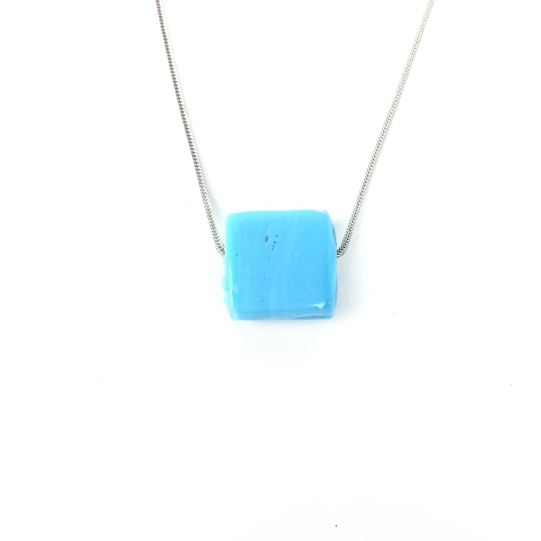 ορθογώνια γαλάζια χάντρα
